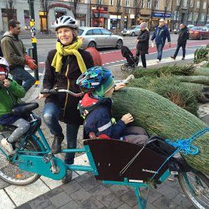 För ensamstående föräldrar med barn kan lastcykeln vara avgörande. Karin Billing skulle inte klara sig utan sin lastcykel.